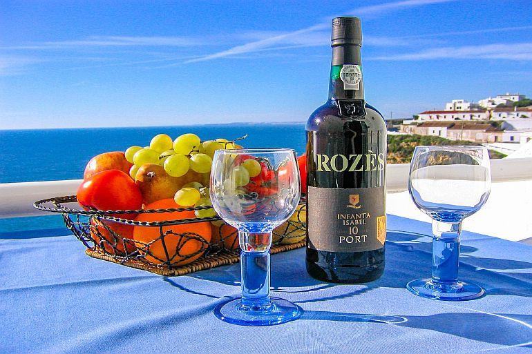Láhev vína pro dobrou pohodu